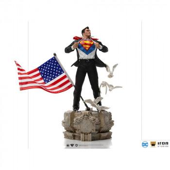 Clark Kent Deluxe Art Scale 1/10 - DC Comics