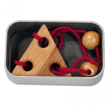 Bambusový provázkový hlavolam v krabičce červený